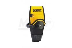 DeWALT Övre akasztható fúrógéptartó  DWST1-75653  DeWALT Övre akasztható fúrógéptartó A fúrót bőr szíj és gyorskioldó csat tartja biztosan a helyén    bal és jobbkezes felhasználásra egyaránt.   Megerősített, nagy teherbírású bőröv.   Bőr zsebek a fúró- és csavarozófejek tárolására.   Használható bármely DEWALT vagy egyéb övvel.   Acél d-alakú akasztó a további szerszámok biztonságos rögzítésére  Szélesség170mm Mélység45mm Magasság305mm