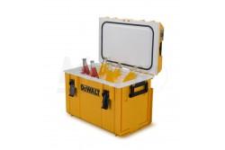 DeWALT TOUGHSYSTEM Hűtőláda  DWST1-81333  Kereskedelmi minőségű PU habszigeteléssel és fagyasztóval ellátott fedél tömítésű hűtőláda, akár öt teljes napig fagyott állapotban tartja a jeget. Teljesen kompatibilis az összes ToughSystem termékkel. 50 kg teherbírás, amely legfeljebb 36 palackot vagy 25,5 liter frissít?t képes tárolni. IP65 tanúsítvánnyal rendelkezik víz és por elleni védelemre. Integrált tartók és palacknyitó a fedélen. Robusztus oldalsó és felső fogantyúk biztosítják a könnyű és hatékony szállítást.