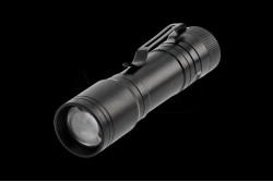 Elemlámpa, LED 3W, hidegfehér 6400K, 200lm, alumínium, IP44, fekete  GTV-LT-LB3WT4-60  Elemlámpa, LED 3W, hidegfehér 6400K, 200lm, alumínium, IP44, fekete A++ Energiaosztály IP44 Por és páravédettség Alumínium ház 3 fokozatban állítható fényerő Működtetése 1xAA 1,5V elem (nem tartozék)