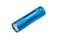 Elemlámpa, LED 3W, hidegfehér 6400K, 150lm, alumínium, IP20, kék  GTV-LT-LK3WBL-60  Elemlámpa, LED 3W, hidegfehér 6400K, 150lm, alumínium, IP20, kék A++ Energiaosztály IP20 védettség Alumínium ház Működtetése 3xAAA 1,5V elem (nem tartozék) 3W - 6400K - 150lumen - 22m